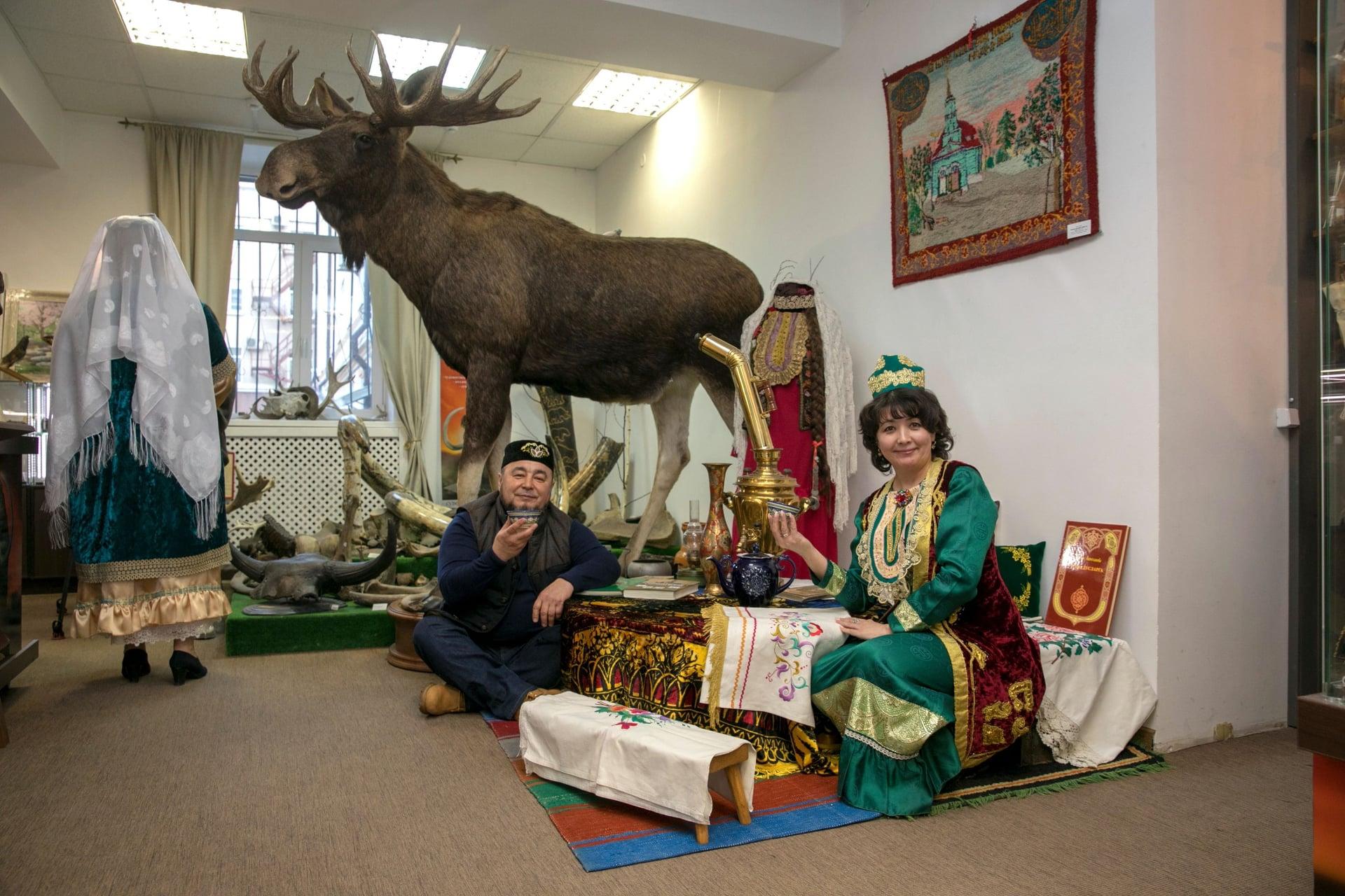 культура и быт сибирских татар, выставка, легенды сибири, фотозона, сфотографировать, музей, экспонаты, купить сувенир, тюркский, ринат, неля,