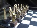 Шахматы из бронзы, малые, с деревянной подставкой в магазине подарков Легенды Сибири