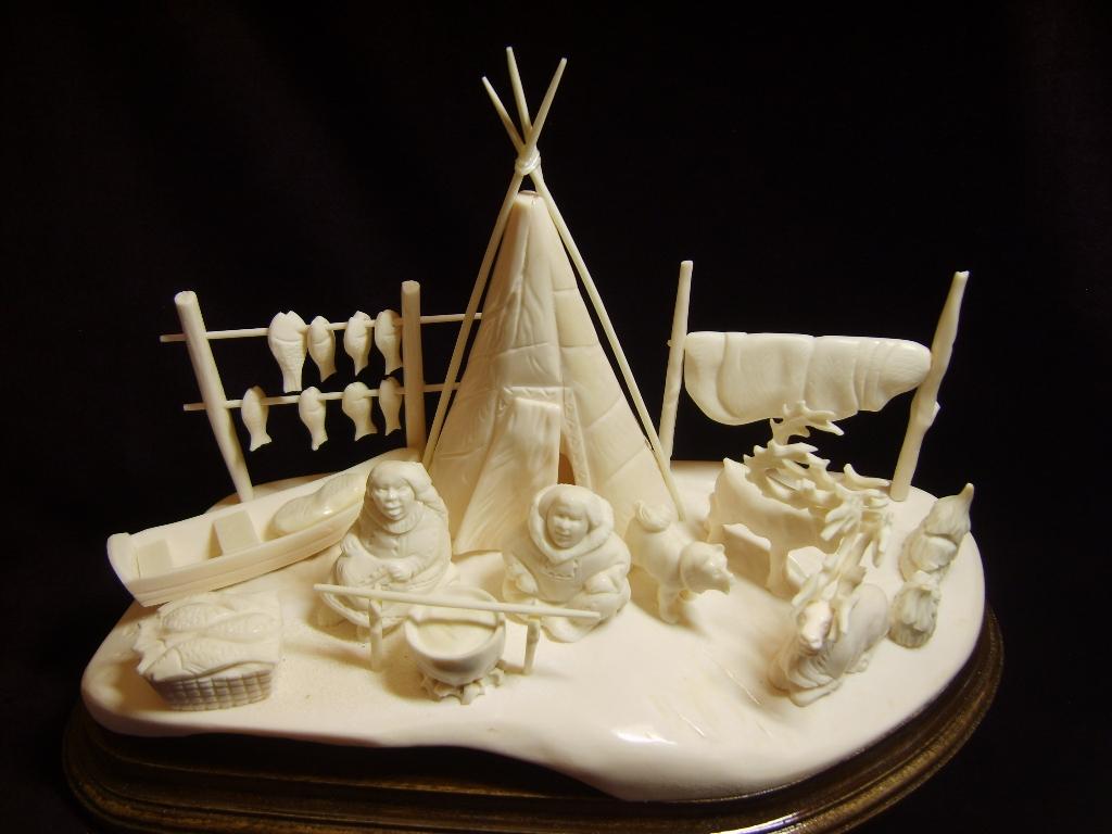 Народные промыслы | Чукотская резная кость - Земляки